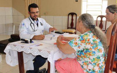 Profissionais do HEJA realizam projeto de saúde pelos bairros de Jaraguá